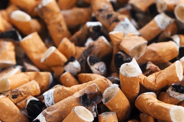 Relative harm of vaping to smoking